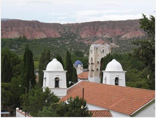 El pueblo es uno de los más vistosos del norte argentino.