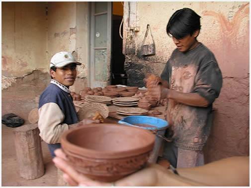 Así se hacen los platos. Una forma linda de entender a los pobladores de la Quebrada.