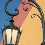 Traditional streetlamp in Caminito