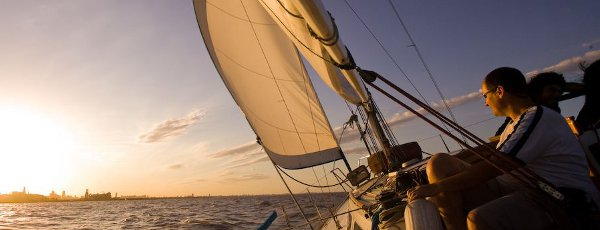 Sailing in Paran� (photo: Pablo Etchevers)