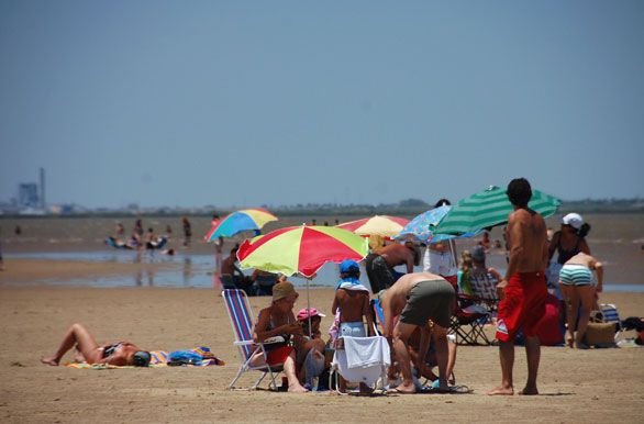 Summer on the Uruguay River beach - Gualeguaychú