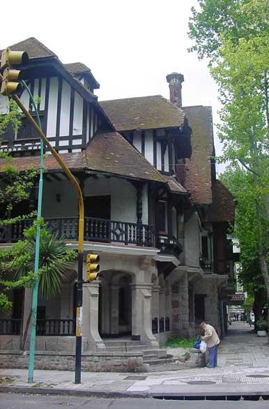 Clásicas casas - Fotos de Mar del Plata - Archivo wa-3491