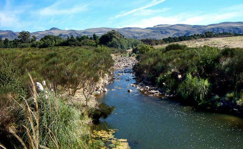 Visita a la comarca serrana de ventania for Ventanas hacia el vecino argentina