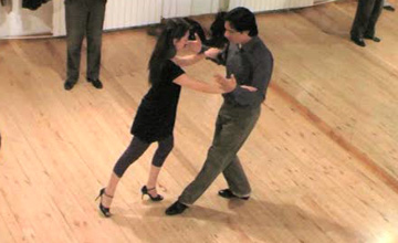 Tango lessons: first steps
